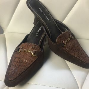 Shoes - Brown pointy toe mules